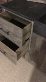 Stoer vergrijsd houten keukenblok keuken keukentje (buiten)keuken oud Elmwood 260 cm met hardstenen blad en dubbele wasbak landelijk stoer grijs