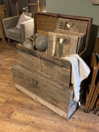 Grote vergrijsd houten kist dekenkist landelijk stoer industrieel grijs hout 80 x 35 x H40 cm
