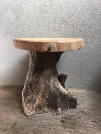 Grof teakhouten landelijk boom tafeltje wortelkruk wortelhout wortel  bijzettafeltje kruk krukje rond boomstronk teakhout grof ruw