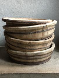 Prachtige oude kleine ronde olijfbak houten schaal bak kaasmal kaasbak landelijk olijfbak