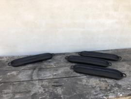 Zwart metalen plateau schaaltje dienblad kaarsenstandaard landelijk industrieel stoer vintage metaal