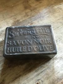 heerlijke franse zeep zepen zwart savon 100 gram blok