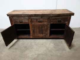 Stoere hardhouten truckwood kast kastje dressoir sidetable sideboard tvmeubel televisie kast houten oud hout commode landelijk stoer robuust 3 deurs en 3 lades