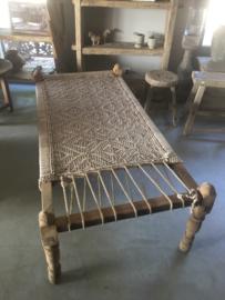 Gaaf origineel oud houten touw bed charpai daybed charpoy loungebed sofa lounge bank logeerbed kinderbed hondenbed landelijk stoer sober vintage