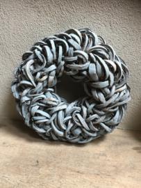 Grijze grijs grey wash  Krans krul Coco cut wreath 65 cm donkergrijs