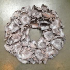 Prachtige vergrijsde krans palm cup wreath grey 55 cm