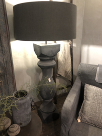Stoere  mat  houten balusterlamp stoer industrieel Rovigo XX-large Tierlantijn Frezoli ballusterlamp vloerlamp 145 cm tafellamp landelijk stoer robuust