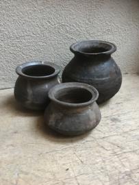 Oud stenen bolbuikkruikje kruik kruikje pot potje landelijk stoer sober oud