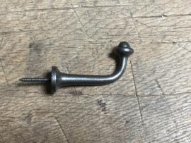 Gietijzeren haak kapstok kapstokhaak stomp landelijk industrieel grijs grijze schroefdraad metalen metaal wandhaak wandhaken
