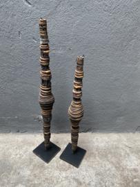 Stoere bruine zwarte beige schelpentoren ornament middel op voet landelijk stoer industrieel