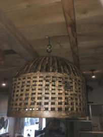Grote smeedijzeren korflamp korf lampekap hanglamp lampenkap vintage beige gebroken wit retro urban mand landelijk industrieel