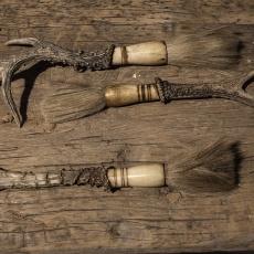 decoratiekwastje met gewei kwast kwastje hoorn landelijk vintage Brocant