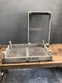 Oud vergrijsd houten kistje dienblad gaas hout