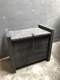 Grijs antraciet zwart houten Himalaya kist Sidetable kistje landelijk stoer industrieel bank bankje kruk krukje kistje dekenkist
