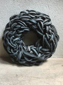 Zwarte Krans krul Coco cut wreath 40 cm black donkergrijs