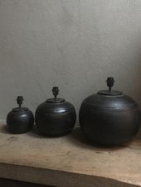 Metalen tafellamp kruiklamp pot middel metaal grijs bruinzwart landelijk industrieel vintage bol