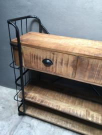 Grote industriële kast trolley kar bakkerskar bakkersrek 2 lades zwarte zwart schap rek metaal houten planken