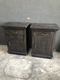 Stoer vergrijsd houten donker grijs zwart bruin industrieel halkastje kastje landelijk kastje kast ladenkast nachtkastjes ladekast nachtkastje nachtkastjes