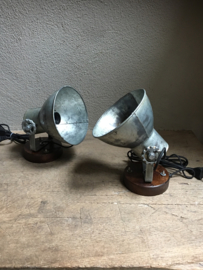 Industriële oud gerecycled metalen met houten voet spotje hanglamp industrieel urban wandlamp 1 grijze kap spot spots plafondlamp plafoniere metaal verstelbaar landelijk stoer vintage