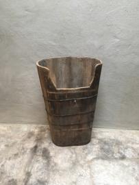 Grote Oud vergrijsd houten olijfbak paraplubak landelijk hoog smal stoer industrieel pot bak vaas