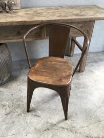 Bruin Metalen stoel stoelen stoeltje bruine stoeltjes industrieel retro met houten zitting stoer urban