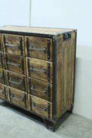 Stoer houten industrieel landelijk kastje kast ladenkast commode comodetv kast televisiekast sidetable ladekast factory metaal hout 12 laden halkastje