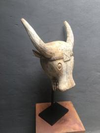 Grote Vergrijsd houten bull stoer koe op zwarte voet pin beige grijs landelijk stoer
