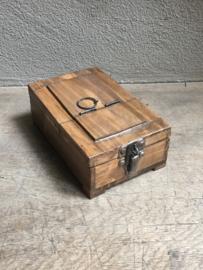 Oude houten box doos shaving scheerbox opmaak make-up spiegeltje landelijk industrieel Brocant vintage naturel