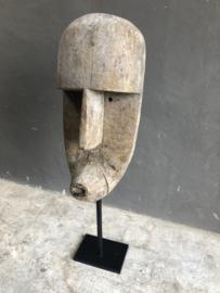 Grote vergrijsd houten kop hoofd pop masker op standaard of om op te hangen  vergrijsd landelijk sober stoer vintage beige grijs