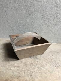 vergrijsd houten graanbak trog boerenbak bak mand schaal magelbak landelijk vergrijsd