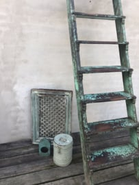 landelijk vintage oud houten kozijn hek rooster scherm luiken Wandpaneel wanddecoratie venster hout turkoise turqouise groen groene vintage industrieel