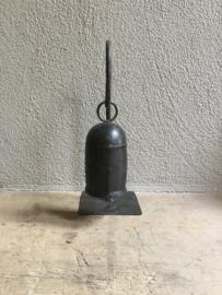 Metalen bel op/aan standaard landelijk industrieel stoer metaal bruin decoratie