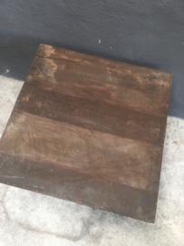 Stoer landelijke tafel Salontafel bijzettafel tafeltje bruin metalen frame onderstel met donker houten blad 60 x 60 cm industrieel