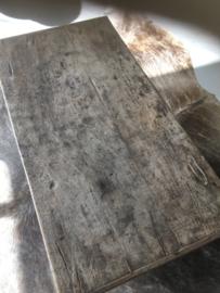 Stoere vergrijsd houten salontafel Sidetable met 2 lades tvmeubel tvkast televisie kast tafel ladekast ladenkast stoer hout vergrijsde tafel landelijk sober boerentafel