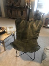Gave khaki olijf olive olijfgroen army legergroen leren stoel fauteuil lounge  vlinder butterfly vlinderstoel stoer industrieel vintage
