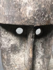 Vergrijsd houten Masker op voet landelijk stoer landelijk sober grijs