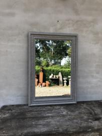 Prachtige grote spiegel 100 x 100 cm landelijk sober stoer brocant grijs vergrijsd grijze sleets doorgescheurd