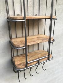 Zwaar metalen met houten wandrek 3 legplank en stang met 5 haken  handdoekenrek schap kapstok landelijk industrieel
