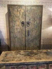 Grote vergrijsd houten kast 2deurs deuren landelijk sober stoer grijs hout 200 x 100 x 40 cm