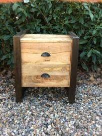 Stoer houten industrieel landelijk kastje kast ladenkast  nachtkastjes ladekast halkastje nachtkastje nachtkastjes