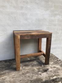Oud houten tafeltje bijzettafeltje Salontafel kindertafeltje burootje landelijk vintage industrieel