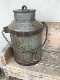 Oude metalen melkbus bak blik pot landelijk boerderij boeren  16 liter