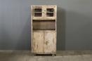 Orginele oude metalen keukenkast industrieel vintage metaal kast stoer sleets doorleefd oud