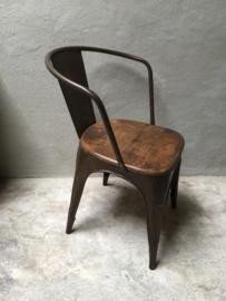Industriële landelijke stoel stoelen kuip kuipstoeltjes eetkamerstoelen industrieel landelijk vintage metaal hout bruin