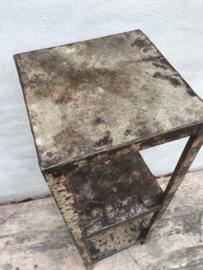 Oud metalen rek kast 89 x 30 x 30 cm kastje rekje grijsbruin schap gemaakt van gerecycled metaal industrieel landelijk stoer urban