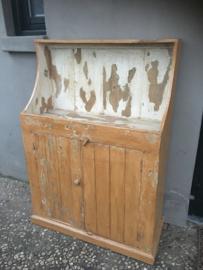 Stoer oud houten kast kastje boerenkast keukenkast landelijk