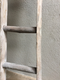 Oud houten ladder laddertje trap trapje handdoekenrek decoratie 130 x 30 cm landelijk vergrijsd