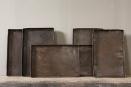Heel stoer oud metalen dienblad tray bruin roest roestbruin schaal bak  bakplaat bakblik  metaal zink landelijk industrieel