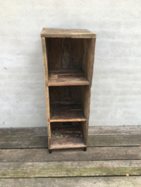 Stoer grof houten railway truckwood hout kast kastje schap rek industrieel landelijk vintage metalen pootjes
