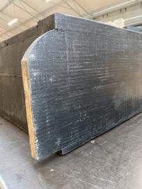Zwart Stoer houten kastje met deurtje en roede wandkastje wandkapstok stang handdoekrek landelijk stoer